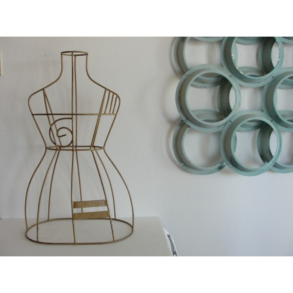 Mannequin_Wire_Sculpture slide2