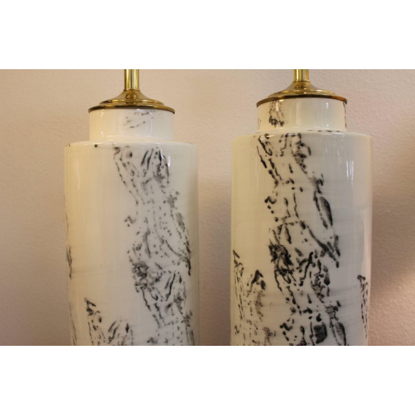 Pair_of_Abstract_Asian_Inspired_Ceramic_Lamps slide3