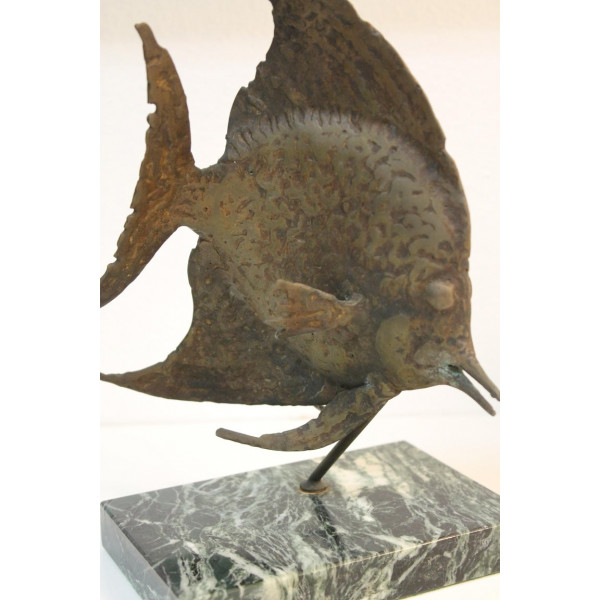 Bronze_Fish_Sculpture_on_Marble_Base_by_G._TATE slide2