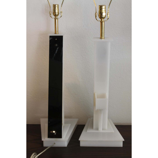 Pair_of_White_Lucite_Table_Lamps_by_Moss_Lamps slide3